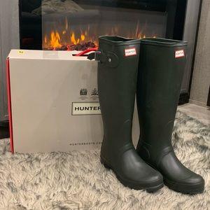 New in Box Hunter Rain Boots